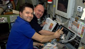 Kuipers_and_Kononenko_during_ATV-3_docking