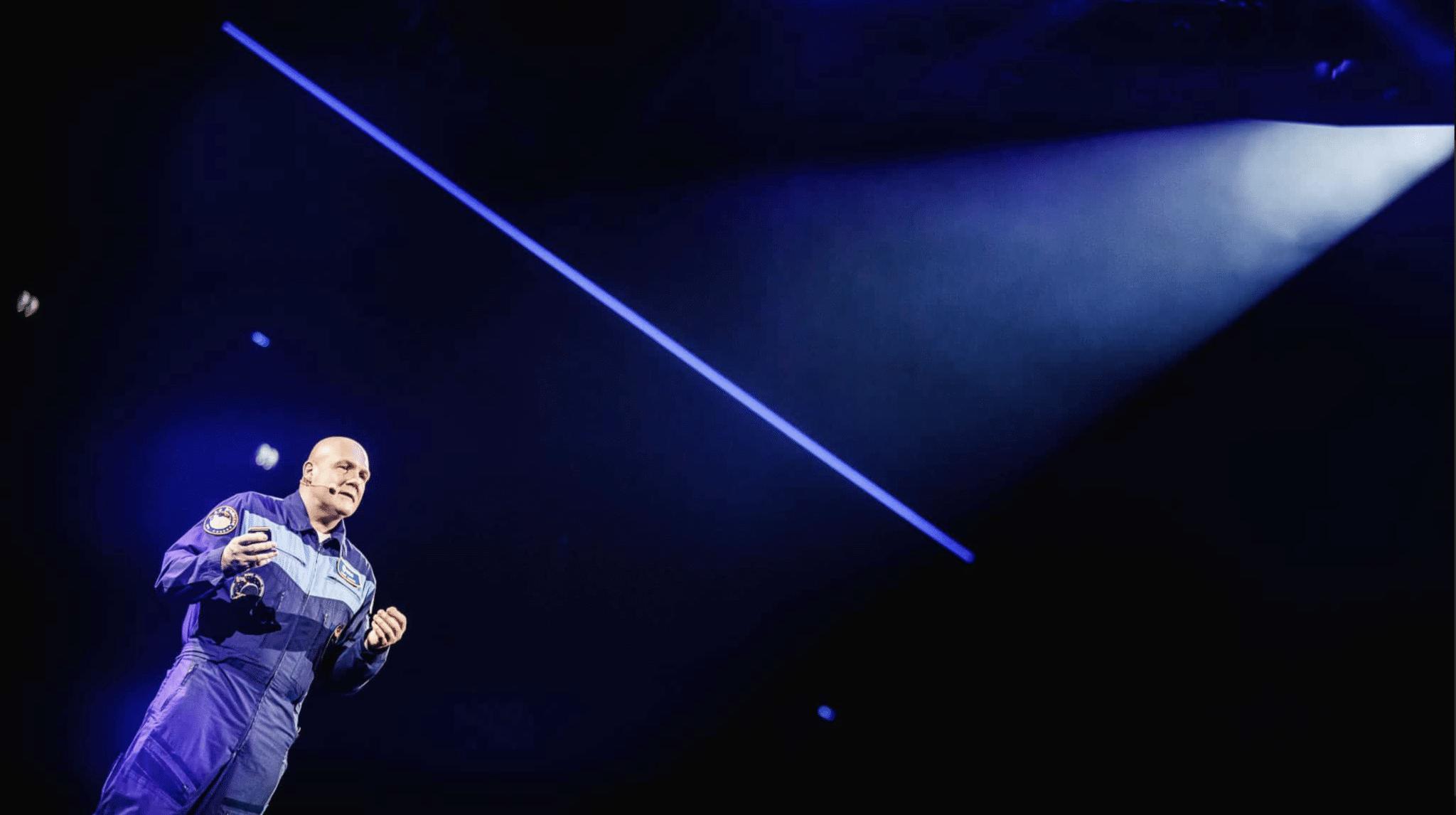 André Kuipers verandert Ziggo Dome in het heelal